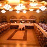 U-Tafel zur Hochzeit im Gasthof Schneider - Backhendlstation